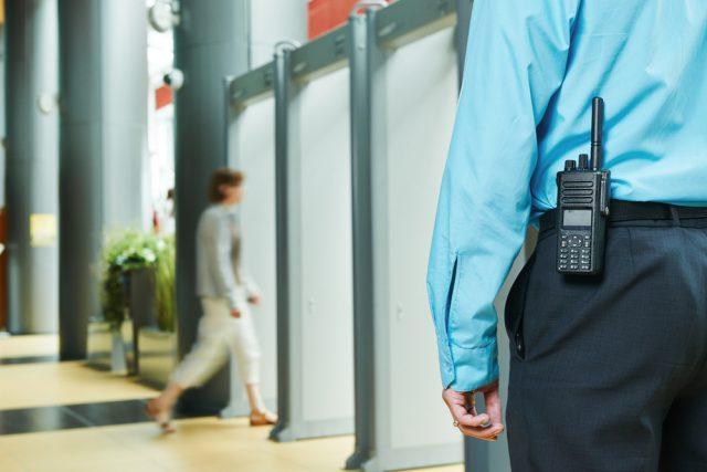 Voordelen van een beveiliger ten opzichte van een beveiligingssysteem