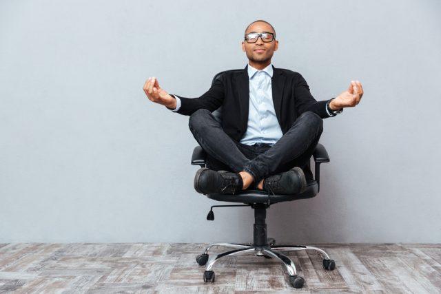 Zit ik goed op mijn bureaustoel Dit zijn de meest voorkomende werkhoudingen