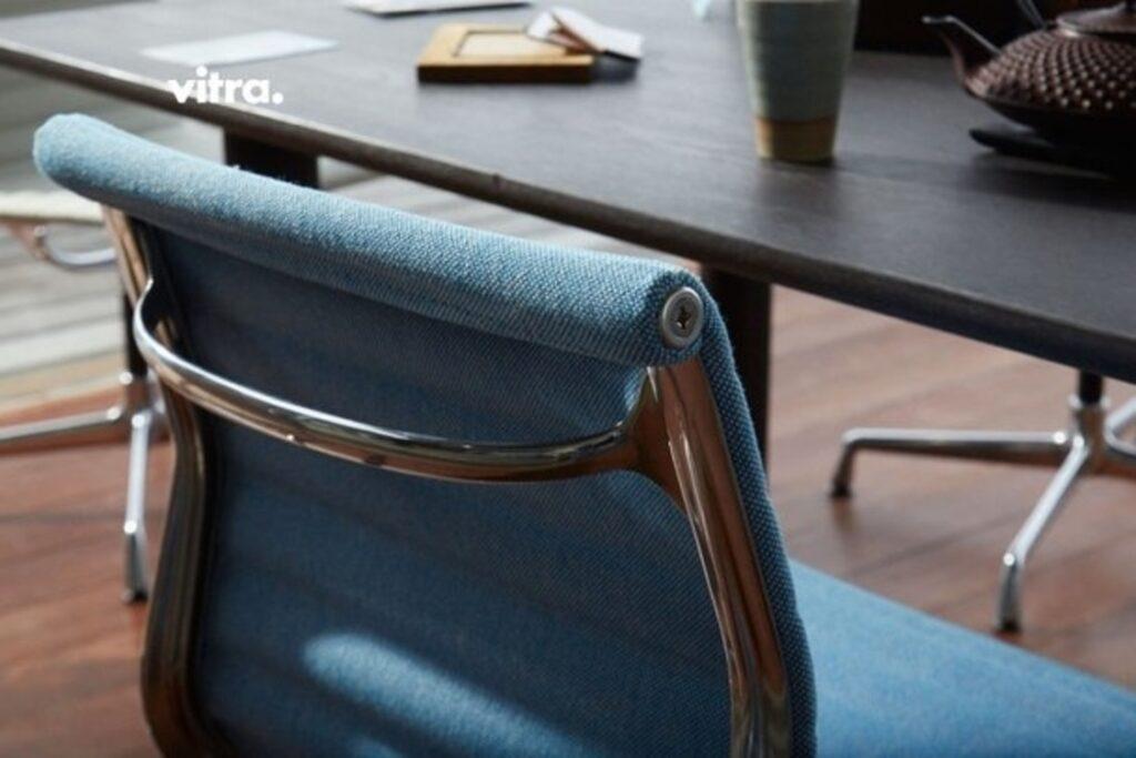Vitra-bureaustoel-blauw-De Projectinrichter