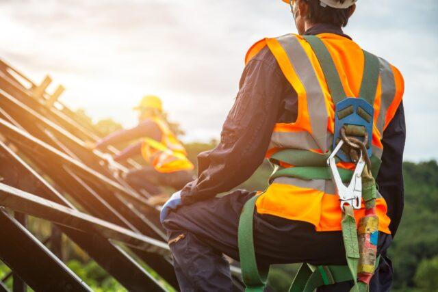 Het belang van veiligheidscursussen in de wind-, scheepvaart en offshore branche